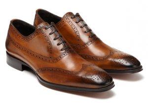 sapatos legais dão elegância.