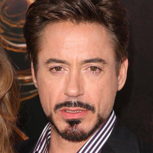 Rico, bonitão e com barba. As mina pira pira no Homem de Ferro!