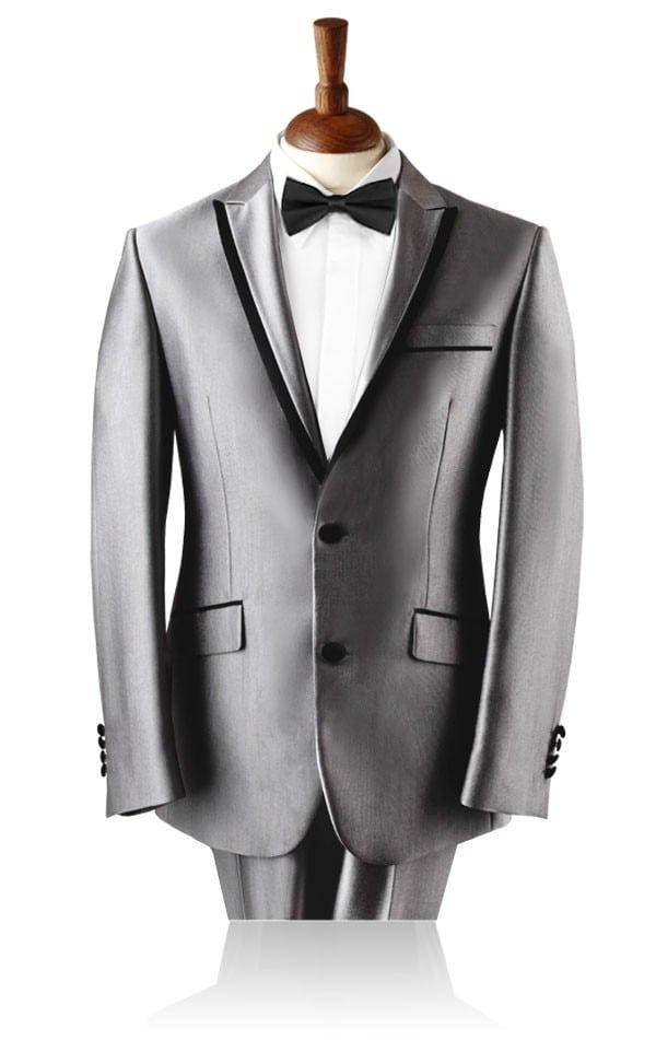 Smoking prata. Gravata preta combinando com o acetinado.