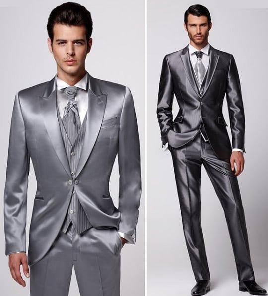 O brilho do acetinado dá um toque muito elite. Mas saca só uma diferença na roupa escolhida pelo Latino: Gravata da cor do paletó.