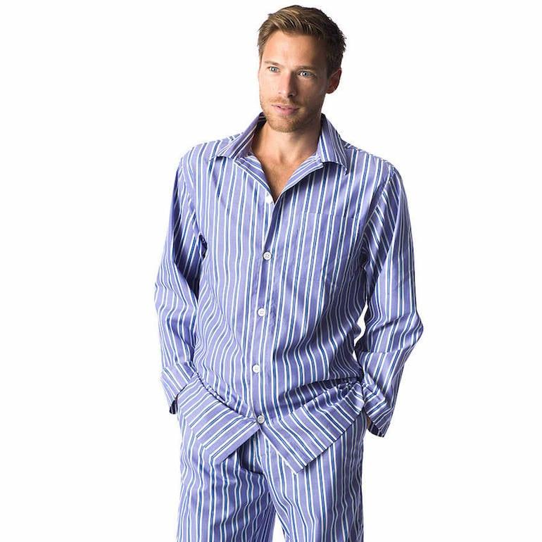Pijama Calvin Klein azul e branco
