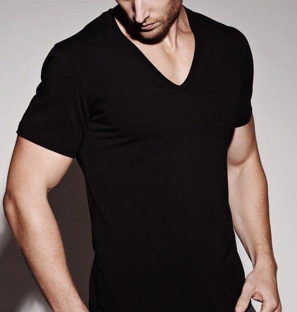 Não use camisas estilosas como Undershirt