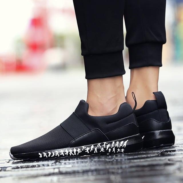 Sapato esportivo preto
