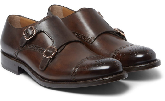 Os Sapatos Masculinos de monge dão um ar mais reservado ao seu estilo