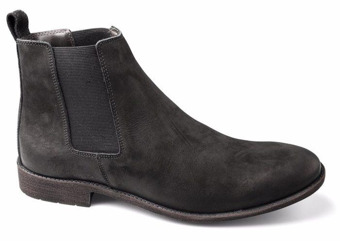 Os Sapatos Masculinos na forma de bota são boas em situações bem específicas